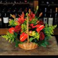 Καλάθι με Ανθούρια, Ορχιδέες, Λίλιουμ και Τριαντάφυλλα - BASK 23008