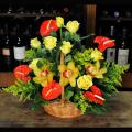 Καλάθι με Ανθούρια, Ορχιδέες και Τριαντάφυλλα - BASK 23010
