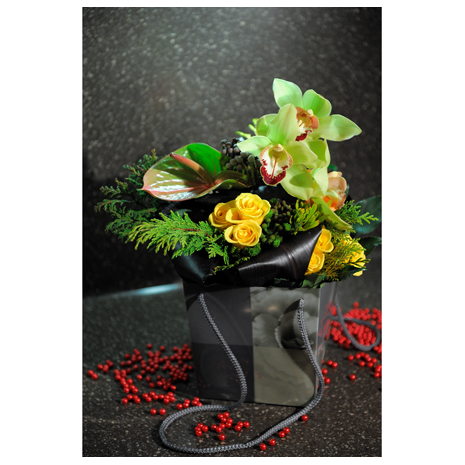 Mix bouguet flowers in a box - XMAS 44006