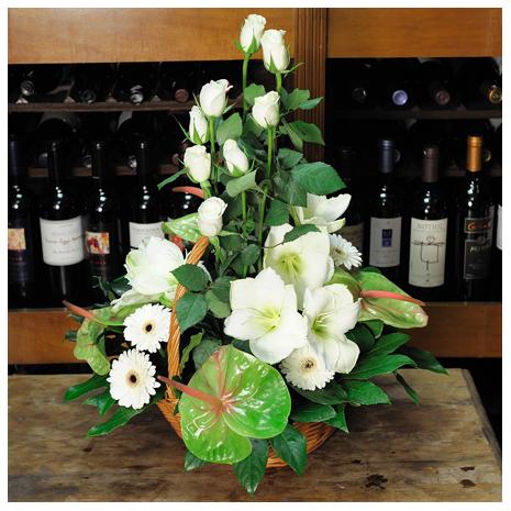 Καλάθι με Ανθούρια, Τριαντάφυλλα και Αμαριλήδες - BASK 23011