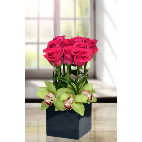 Roses and orchids in base - ROSE 072258